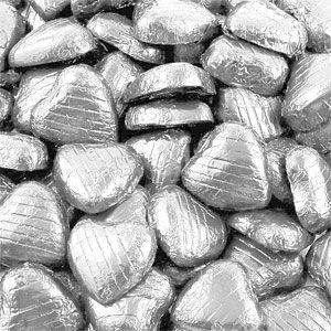 Chocolate: Bulk Pack of Silver Chocolate Hearts - 500g (100pk)